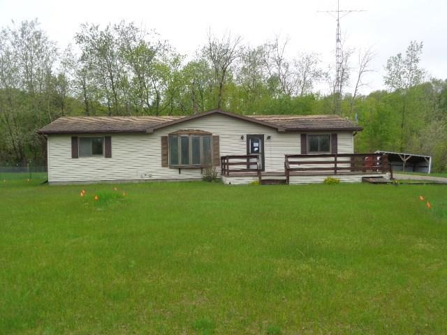 414 Fern Ave, Jackson, WI 53952 (#1858687) :: HomeTeam4u