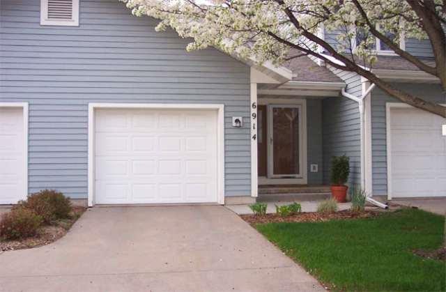 6914 Harvest Hill Rd, Madison, WI 53717 (#1860633) :: HomeTeam4u