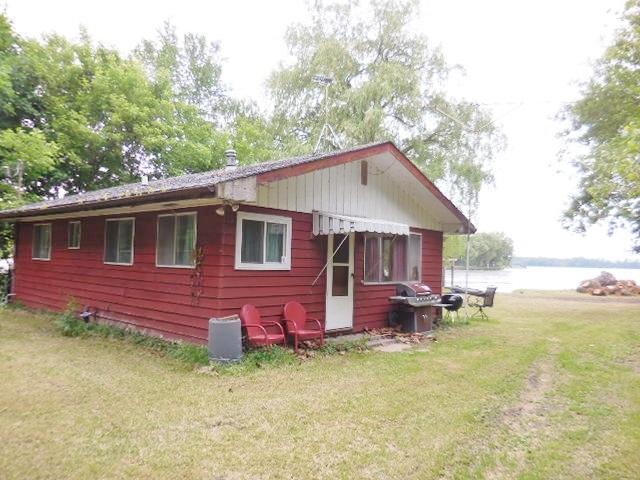 N9115 Lakeshore Dr, Westford, WI 53916 (#1860661) :: HomeTeam4u