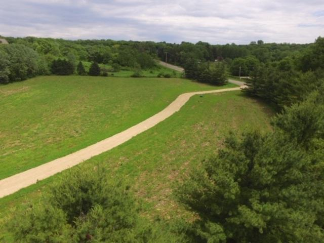L3 Enchanted Valley Rd, Middleton, WI 53562 (#1860802) :: Nicole Charles & Associates, Inc.