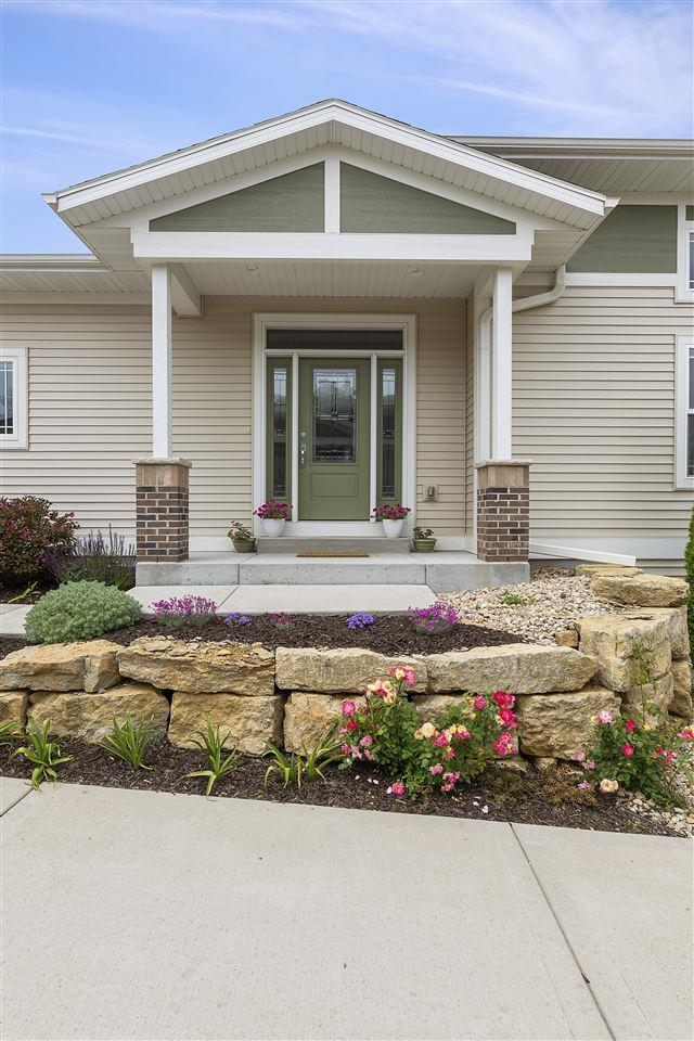 6611 N Chickahauk Tr, Middleton, WI 53562 (#1860839) :: Nicole Charles & Associates, Inc.