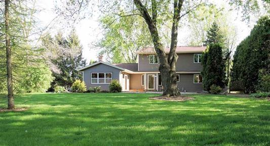 7679 Westman Way, Middleton, WI 53562 (#1861069) :: Nicole Charles & Associates, Inc.