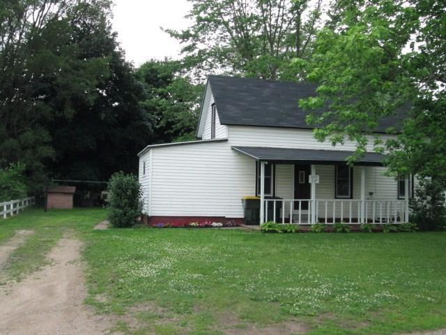 1215 S 8th St, Prairie Du Chien, WI 53821 (#1861349) :: Nicole Charles & Associates, Inc.