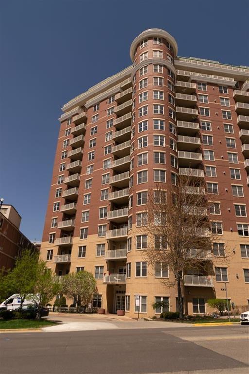 360 W Washington Ave, Madison, WI 53703 (#1861775) :: Nicole Charles & Associates, Inc.