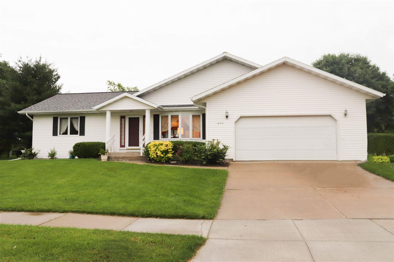 1904 Winfield Dr - Photo 1
