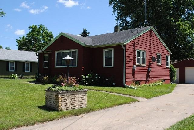 893 Prairie St, Prairie Du Sac, WI 53578 (#1863054) :: Nicole Charles & Associates, Inc.