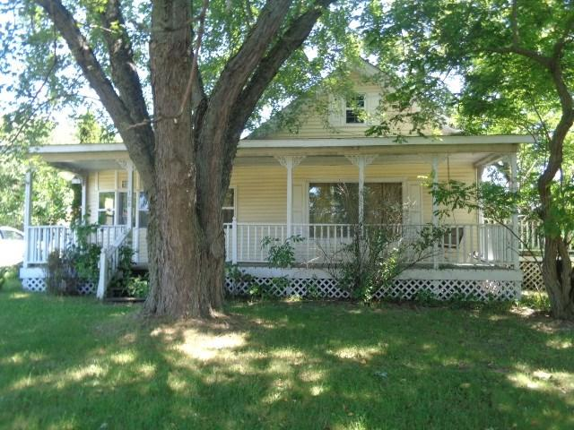 108 4th St, Mattoon, WI 54450 (#1863332) :: Nicole Charles & Associates, Inc.