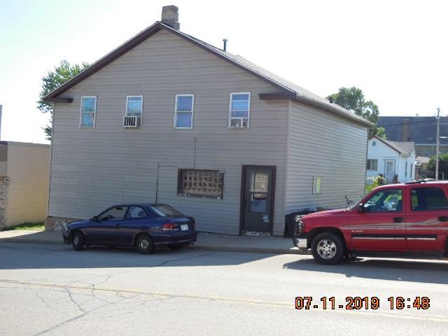 607 Main St, Highland, WI 53543 (#1863550) :: Nicole Charles & Associates, Inc.