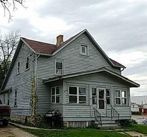 107 E Mill St, Beaver Dam, WI 53916 (#1863900) :: Nicole Charles & Associates, Inc.