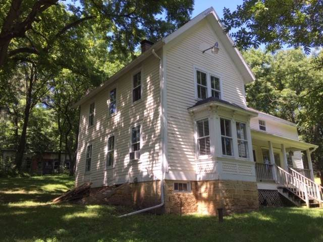 8872 County Road G, Primrose, WI 53572 (#1868673) :: Nicole Charles & Associates, Inc.