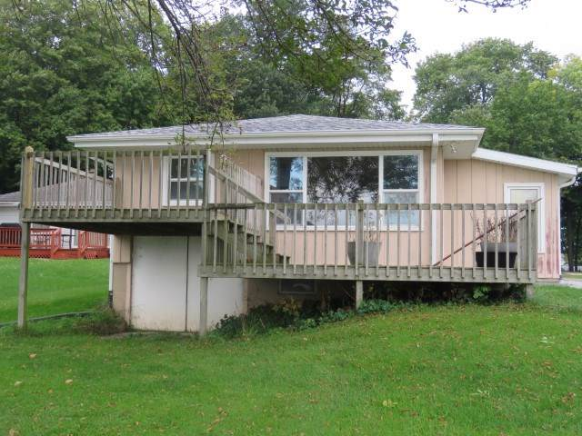 N10546 Chief Kuno Tr, Fox Lake, WI 53933 (#1869567) :: HomeTeam4u