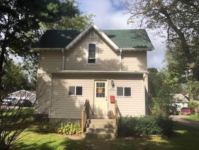 1035 E Main St, Reedsburg, WI 53959 (#1870095) :: Nicole Charles & Associates, Inc.