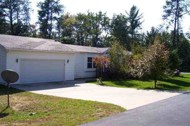 135 Northwoods Cr, Lake Delton, WI 53940 (#1870127) :: HomeTeam4u