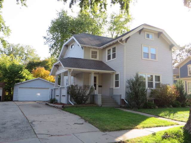 119 Watertown St, Ripon, WI 54971 (#1870270) :: HomeTeam4u