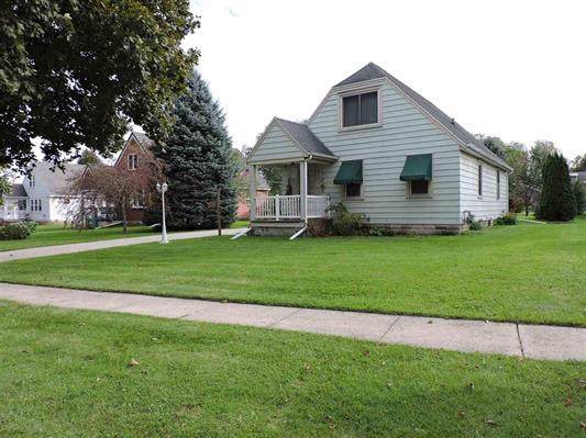 17 Beverly Ct, Waupun, WI 53963 (#1870369) :: Nicole Charles & Associates, Inc.
