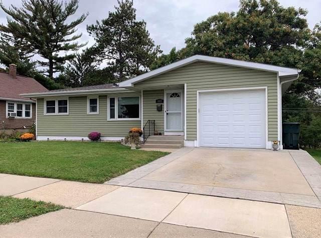 1037 W Wisconsin St, Portage, WI 53901 (#1870386) :: HomeTeam4u