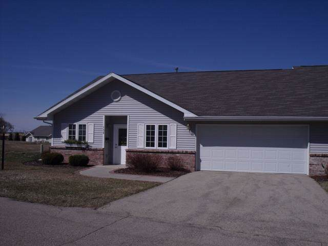 700 8th Ave, Unit 705, Monroe, WI 53566 (#1870449) :: HomeTeam4u