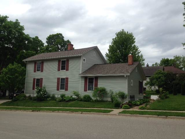 403 S Iowa St, Mineral Point, WI 53565 (#1870458) :: Nicole Charles & Associates, Inc.