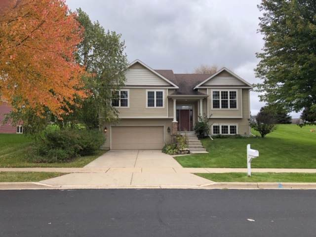1079 Carriage Dr, Sun Prairie, WI 53590 (#1870691) :: Nicole Charles & Associates, Inc.