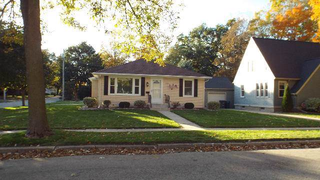 726 Lincoln, Ripon, WI 54971 (#1870781) :: HomeTeam4u