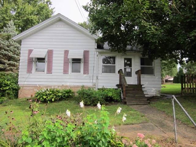 303 E State St, Albany, WI 53502 (#1871193) :: HomeTeam4u