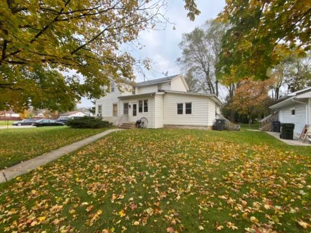 332 Maple St, West Baraboo, WI 53913 (#1871624) :: Nicole Charles & Associates, Inc.