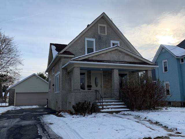 244 Center St, Randolph, WI 53956 (#1872480) :: Nicole Charles & Associates, Inc.