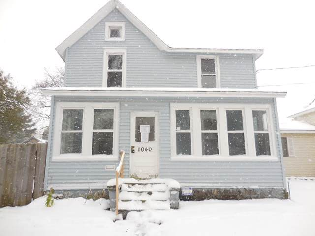 1040 11th St, Beloit, WI 53511 (#1872504) :: Nicole Charles & Associates, Inc.