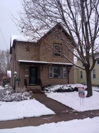 422 N Lincoln Ave, Beaver Dam, WI 53916 (#1872671) :: Nicole Charles & Associates, Inc.