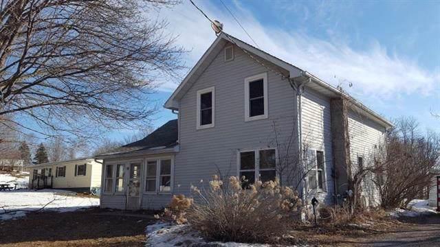 112 Grove Ave, Elroy, WI 53929 (#1873035) :: Nicole Charles & Associates, Inc.
