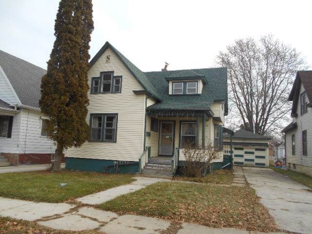 1735 N 12th St, Sheboygan, WI 53081 (#1873315) :: Nicole Charles & Associates, Inc.