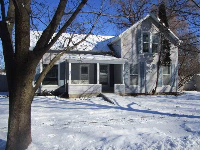 221 Tremont St, Mauston, WI 53948 (#1875257) :: Nicole Charles & Associates, Inc.