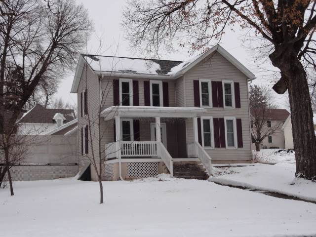 590 E Main St, Platteville, WI 53818 (#1875661) :: HomeTeam4u