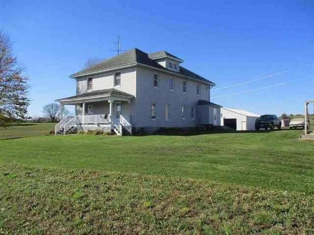 S4181A S Golf Course Rd, Reedsburg, WI 53959 (#1876994) :: Nicole Charles & Associates, Inc.