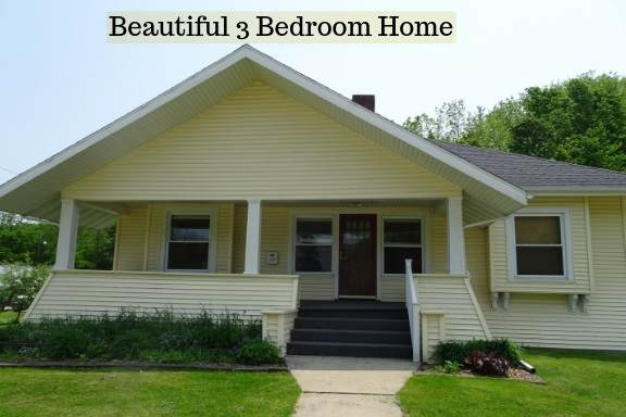119 Galena St, Darlington, WI 53530 (#1877516) :: HomeTeam4u
