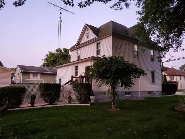 676 S Center St, Beaver Dam, WI 53916 (#1877567) :: Nicole Charles & Associates, Inc.