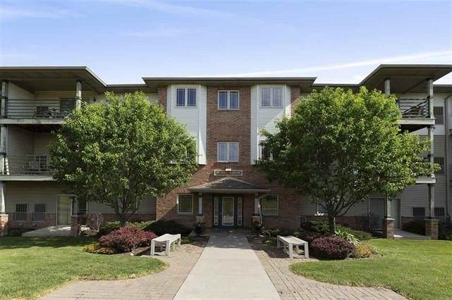 102 Prairie Heights Dr, Verona, WI 53593 (#1877750) :: HomeTeam4u