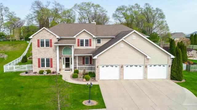 222 Lakeview Dr, Whitewater, WI 53190 (#1883269) :: HomeTeam4u