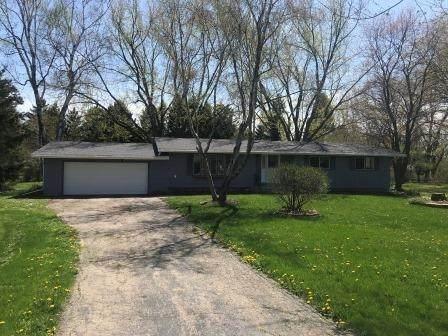 4555 Lotus Ln, Cottage Grove, WI 53718 (#1883481) :: HomeTeam4u