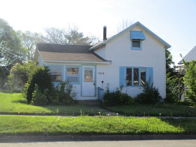 1008 Kilbourn Ave, Tomah, WI 54660 (#1883903) :: Nicole Charles & Associates, Inc.