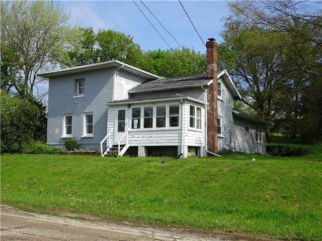 4010 W County Road M, Fulton, WI 53534 (#1883965) :: HomeTeam4u