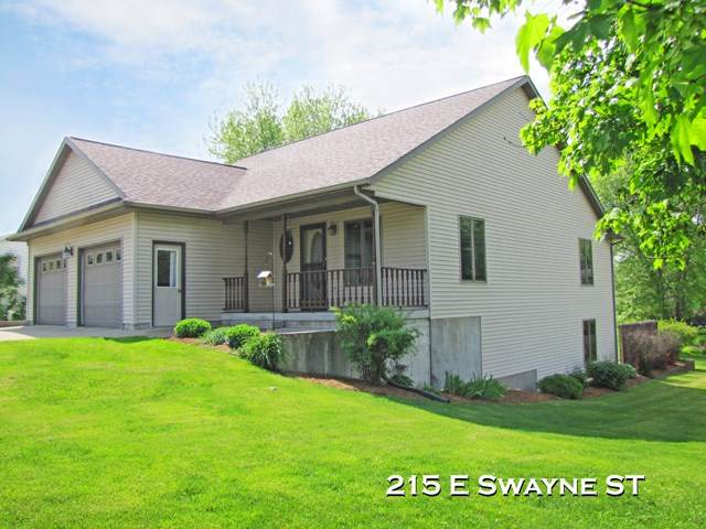 215 E Swayne St, Dodgeville, WI 53533 (#1884193) :: Nicole Charles & Associates, Inc.