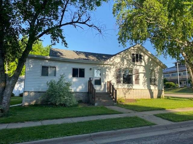 114 N Level St, Dodgeville, WI 53533 (#1886712) :: HomeTeam4u