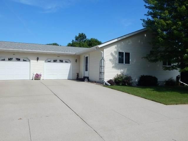 809 Summer Ave, Waupun, WI 53963 (#1887949) :: HomeTeam4u