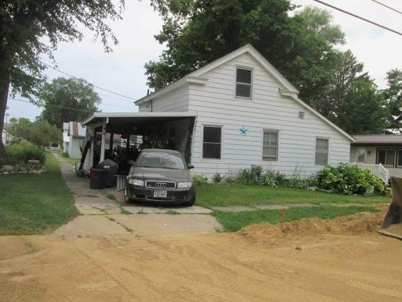 202 W Bluff St, Cassville, WI 53806 (#1891910) :: HomeTeam4u