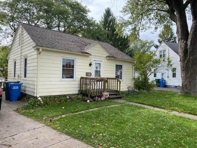436 Russell St, Baraboo, WI 53913 (#1895103) :: HomeTeam4u