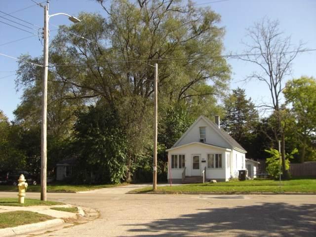 731 Townline Ave, Beloit, WI 53511 (#1895273) :: Nicole Charles & Associates, Inc.