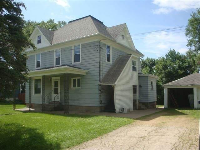 921 E Madison St, Platteville, WI 53818 (#1896070) :: HomeTeam4u