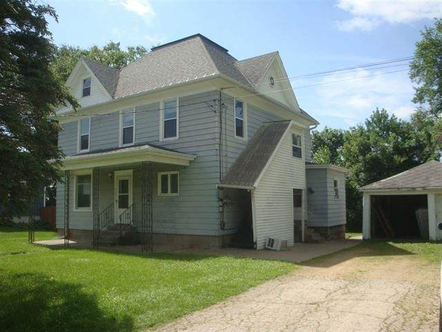 921 E Madison St, Platteville, WI 53818 (#1896071) :: HomeTeam4u