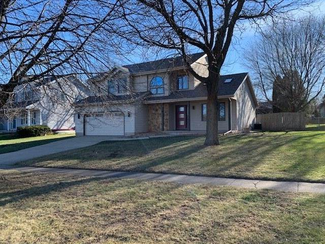 1505 Dover Dr, Waunakee, WI 53597 (#1898712) :: Nicole Charles & Associates, Inc.